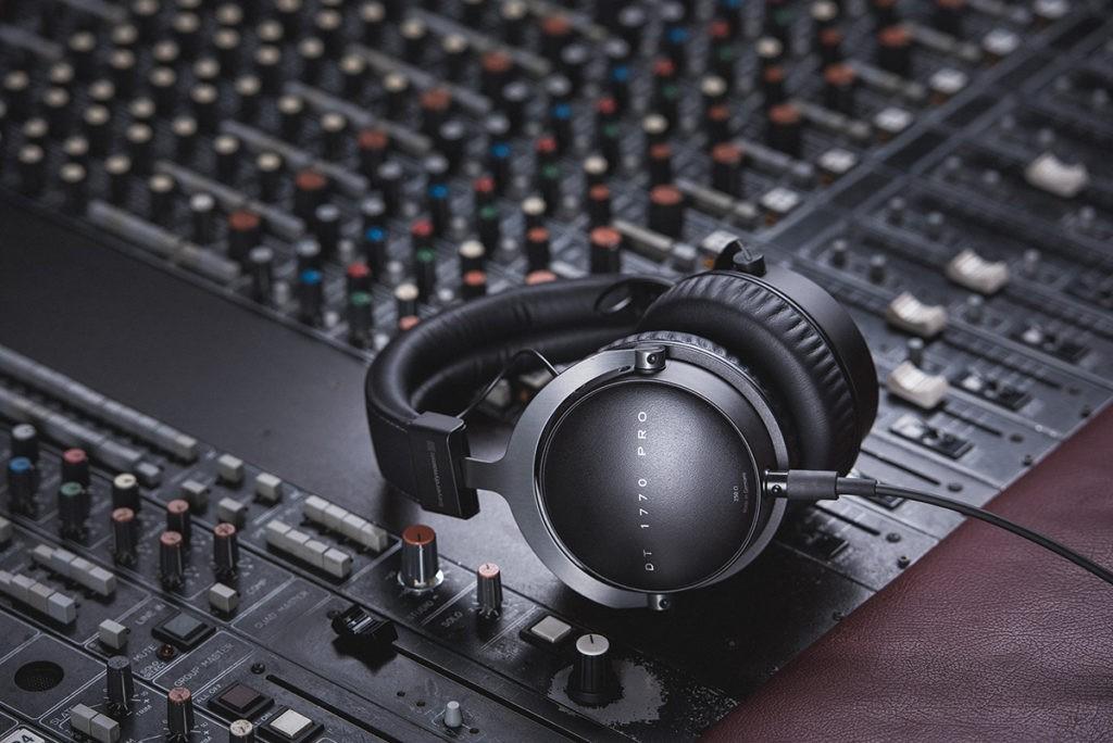 Un casque audio pour le studio
